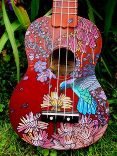 handpainted ukulele for a friend who loves hummingbirds! by suzanne van gils Ukulele Art, Ukulele Songs, Ukulele Chords, Banjo, Guitar Art Diy, Ukulele Drawing, Violin Art, Ukelele Painted, Painted Guitars