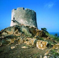 SANTA TERESA DI GALLURA (resti del castello di Porto Longone e torre Longosardo o di Santa Teresa)
