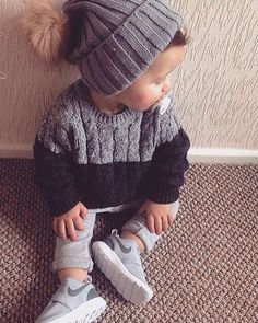 Ridiculously cute!! Baby gray would look adorable in this