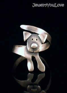 Sterling Silver Labrador Ring - Buddy. $69.95, via Etsy.
