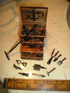 Miniature tool chest by David Brookshaw... My Pa Lawrence used to make these back when I was little. Wish I had some of them!
