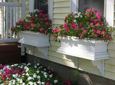 Amenajari cu flori in ghivece – 15 idei de decoruri splendide pentru gradina ta
