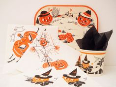Black/White Theme Mixed Vintage Halloween Plate/Napkin Lot