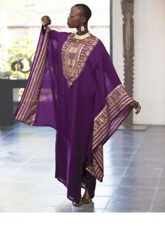 Caftan Dress, Eshe from ASHRO, I love caftans my go-to clothing for this pregnancy.