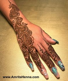 best indian mehndi designs in the world Pretty Henna Designs, Indian Mehndi Designs, Full Hand Mehndi Designs, Mehndi Designs 2018, Henna Art Designs, Mehndi Design Pictures, Modern Mehndi Designs, Mehndi Designs For Beginners, Mehndi Designs For Fingers