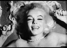 Marylin Monroe, Marilyn Monroe Fotos, Bert Stern, Becoming An Actress, Lonely Girl, Celebrity Portraits, Norma Jeane, Black And White Portraits, Oeuvre D'art