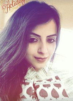 Shrenu Parikh, Beautiful Indian Actress, Indian Actresses, Smile, Selfie, Actors, Outfits, Actor, Clothes