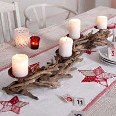advent wreath driftwood- love this table setting