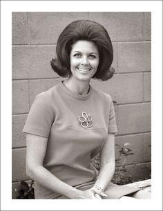 Katie in her best early pic 1960 Hairstyles, Classic Hairstyles, Casual Hairstyles, Vintage Hairstyles, Wedding Hairstyles, 1960s Hair, Beehive Hair, Bouffant Hair, Hair Flip