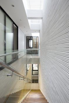 Galería de 4.5x20 House / AHL architects associates - 3