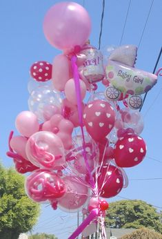 BC delivers the World's coolest Specialty Bouquets and decorates Los Angeles' amazing events with fantastic centerpieces, arches, balloon drops and gigantic balloon sculptures!