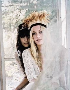 ≫∙∙ boho, feathers + gypsy spirit ∙∙≪ ☮k☮ Gypsy Style, Hippie Style, Bohemian Style, Hippie Boho, Boho Gypsy, Boho Chic, Feather Headdress, Feather Crown, Indie