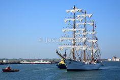 Mexican navy sail training ship - three masted barque Cvavatemoc entering Port of Aveiro, Portugal, Funchal 500 Race 2008