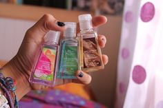 I love the bath and body works hand sanitizers! I have a ton Bath N Body Works, Bath And Body, Just Girly Things, All Things Beauty, Tumblr Quality, Lush Bath, Body Lotions, Smell Good, Hand Sanitizer