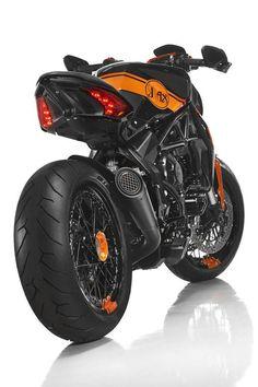 Cafe Racer — skililo: from Moto.it and FB Cafe Racer – skililo: von Moto.it und FB Concept Motorcycles, Indian Motorcycles, Cool Motorcycles, Triumph Motorcycles, Moto Bike, Motorcycle Bike, Motorcycle Design, Bike Design, Mv Agusta Dragster