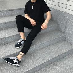 Pin: (° ʖ °) men's fashion, minimal fashion, vintage fashion Korean Fashion Men, Fashion Mode, Minimal Fashion, Boy Fashion, Outfits Hombre, Boy Outfits, Streetwear, Look Man, Tumblr Outfits