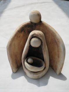 Nativity - Je vois bien cette sculpture dans le secteur nord-est, grand-signe protecteur telle la montagne qui protège la famille.