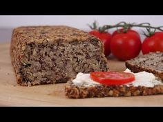 Wunderbrot - gesünder geht es kaum! - YouTube Clean Eating, Healthy Eating, Pampered Chef, Marzipan, Meatloaf, Superfood, Low Carb, Banana Bread, Food And Drink