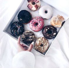 donuts, food, and sweet image Yummy Treats, Delicious Desserts, Sweet Treats, Yummy Food, Good Vibe, Aesthetic Food, Food Cravings, I Love Food, Sweet Recipes