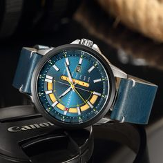 CURREN Casual Style Men Watch Calendar Unique Design Men Wrist Watch Genuine Leather Quartz Watch is hot-sale, stainless steel watch, sport watches for men, and more other cheap mens watches are provided on NewChic. Cheap Watches For Men, Big Watches, Sport Watches, Cool Watches, Luxury Watches, Rolex Batman, Leather Watch Bands, Sport Man, Quartz Watch