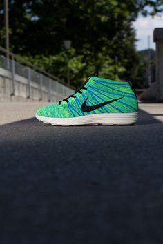 "Nike Lunar Flyknit Chukka ""Blue Glow"""