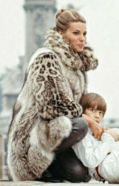 Leopard Fashion, Fur Fashion, Fashion Outfits, Leopard Fur Coat, Snow Leopard, Vintage Fur, Fur Coats, Derp, Classy Women