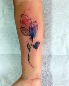 Conheça o trabalho do tatuador brasileiro Paulo Victor Skaz, mais conhecido como Skazxim, especialista em tatuagens incríveis e aquareladas.