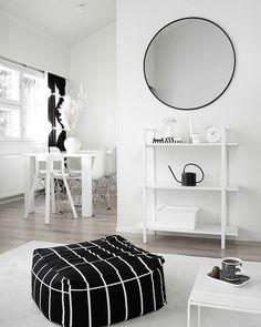 Olohuone täynnä valoa - Instakodit.fi Ottoman, Living Room, Chair, Interior, Furniture, Design, Home Decor, Instagram, Lounges