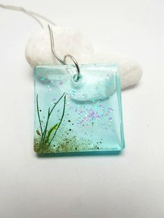 Sieh dir dieses Produkt an in meinem Etsy-Shop https://www.etsy.com/de/listing/589991469/halskette-mit-harz-anhanger-necklace