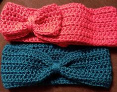 Free crocheted earwarmer tutorial. Bow or turban. www.christinascookinupcrafts.blogspot.com