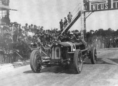 Targa Florio 1932 , Scuderia Ferrari , Alfa Romeo 8C 2300 #10 , Driver Tazio Nuvolari , First place overall winner.