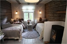 Really love this room, so unique Scandinavian Cottage, Cozy Cottage, Cottage Style, Cabin Homes, Log Homes, Inside A House, Tiny Cabins, Little Cabin, Cottage Interiors