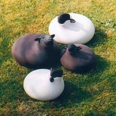 Round Sheep Sculpture For Contemporary Garden Ornaments : Contemporary Garden Ornaments – Better Home and Garden Pottery Animals, Ceramic Animals, Sculptures Céramiques, Sculpture Art, Ceramic Clay, Ceramic Pottery, Devon, Diy Adornos, Ceramic Figures