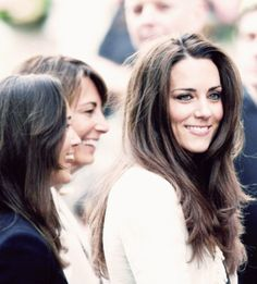 Kate Middleton. Love her hair. This is what I want the final product of growing mine out to be.