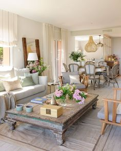 neat and cozy living room ideas 21 Related Cozy Living Rooms, Home Living Room, Living Room Decor, Dining Room Design, Interior Design Living Room, Country Family Room, Living Room Upgrades, White Home Decor, Home Fashion