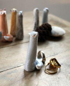 """Petit porte-bague """"Mon Loup"""" oMamaWolf- sculpture miniature réalisée à la main en argile polymère- portebonheur"""