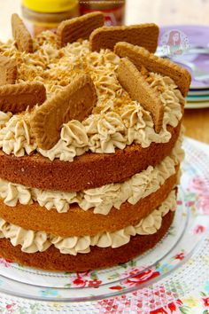 LOTUS BISCOFF CAKE! A Delicious and Moist 3-layer Biscoff Cake with Lotus Biscuits! Perfect Spiced and Sweet cake for all Biscoff Lovers out there!