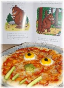 La pizza gruffalo Per A! Gruffalo Activities, Gruffalo Party, The Gruffalo, Celebration Day, Cooking Recipes, Healthy Recipes, Monster Party, Toddler Crafts, Baby Birthday