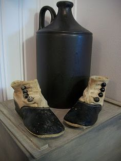 Shoes in Colonial Times | LOVE the shoes! | Colonial times
