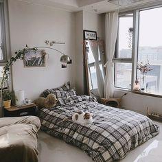Small Room Bedroom, Room Ideas Bedroom, Bedroom Decor, Dream Rooms, Dream Bedroom, Minimalist Room, Aesthetic Room Decor, Cozy Room, Home Room Design