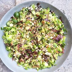 Shaved brussels sprout and caramelised onion salad  Print Author: Jessica Sepel Ingredients 600-900g brussels sprouts – about 3 punnets 1 lemon – zest ½ cup almonds –…
