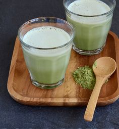 Iced Matcha Latte   1½ teaspoons matcha (green tea) powder 3 tablespoons hot water 1½ tablespoon agave nectar or honey, or to taste Ice 1 cup almond milk or soy milk