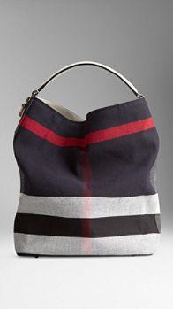 OMG Burberry shoulder bag .... NAVY !!! I need this !!!!!!