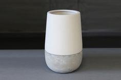 Ceramic and concrete vase - doronlivne-en