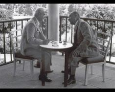 300 little known photos of Atatürk - adel home Dining Chairs, Dining Table, Turkish Art, Great Leaders, History, Furniture, Home Decor, Historical Quotes, Historical Pictures