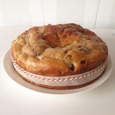 Gezonde kwarkbol met appel en rozijnen. Heerlijk als verantwoord tussendoortje en super makkelijk te maken!