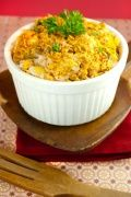Chicken Casserole Recipe Video : <p>This easy chicken casserole recipe is packed with flavor, plus it's low fat and low carb. Use leftover chicken, low fat sour cream and corn flakes for a healthy crunch.</p>