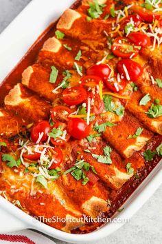 Enchilada Casserole Beef, Chicken Enchilada Bake, Cheesy Chicken Enchiladas, Mexican Casserole, Mexican Food Recipes, Ethnic Recipes, Fajitas, Casseroles, Great Recipes
