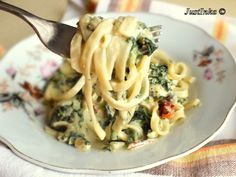 Tagliatelle with spinach, dried tomatoes, mascarpone, blue cheese.