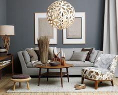 Wandfarbe grau Sofa Design kleiner Kaffeetisch